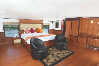 Grand Nirvana Houseboat, Kumarakom