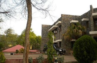 Tiger Den Hotel, Alwar