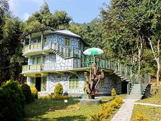 Dhardo Retreat & Resort