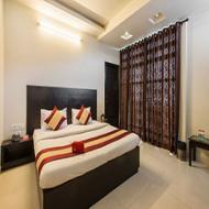 OYO Rooms Jan Path Nirman Nagar