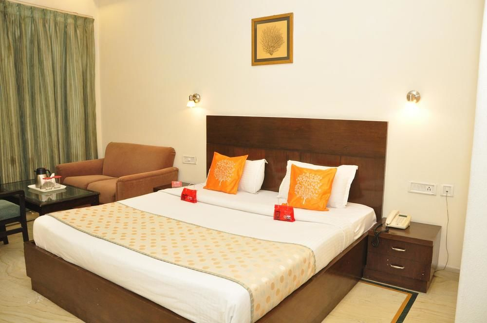Hotel 42 Amritsar, Mall Road, Standard Double Room - Intech Generic