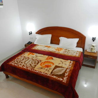 AC Luxury Single Room with Breakfast