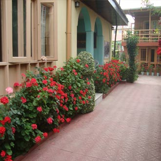 Hotel J H Bazaz ( Happy Cottage )