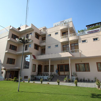 Hotel Chandra Pushp Palace