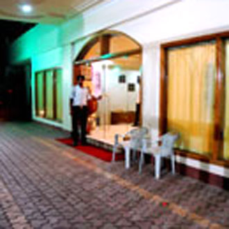 Hotel Swarn House website