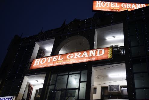 Hotel Grand Regal Madhya Marg, Chandigarh