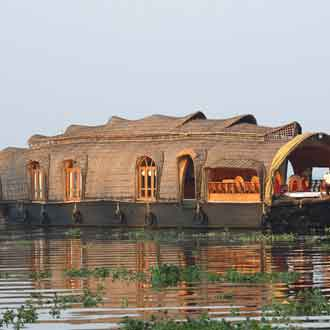 Punnamada Luxury Houseboats