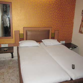 Navrathna Residency Lodging And Boarding