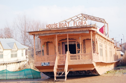 Houseboat Flora Group
