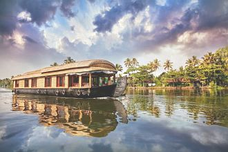 Backwater Retreat House Boat