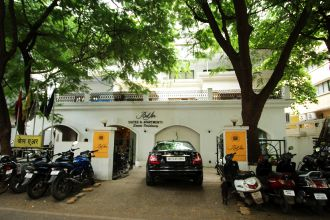 Super Saver 3 Star Hotel (koregaon Park)