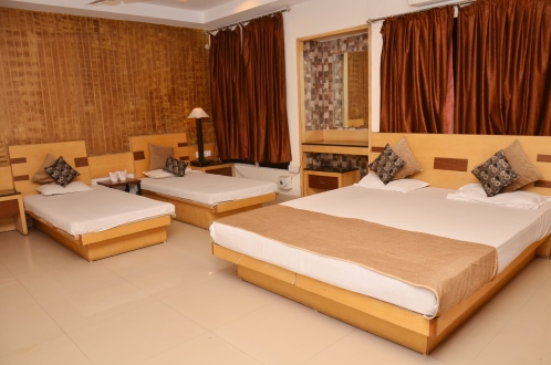Hotel Paradise ( Pure Veg) booking