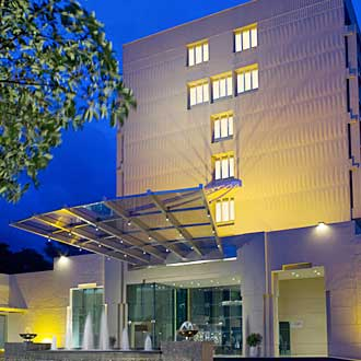 Vivanta By Taj - Blue Diamond (a Taj Hotel)