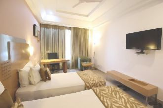 Green Earth (Gurgaon), Golf Course Road, Super Deluxe A/C Room
