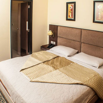 Oyo Suites, Green Valley (sector 31)