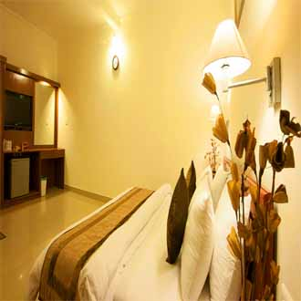 Airport Motel Aapno Ghar Resort, National Highway No 8, Family Luxury Room with Amusement Water Park  All Meal