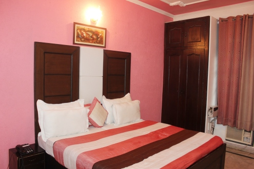 Hotel Anand Niwas