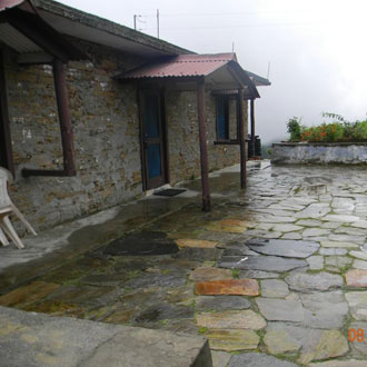 Mountain Pines Camp (35km From Ranikhet)