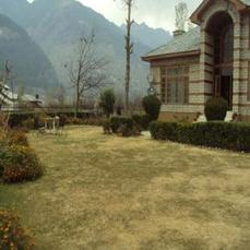 4 Bedroom Bungalow Near Manali Mall Road