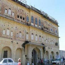 Stay In 200 Years Old Haveli