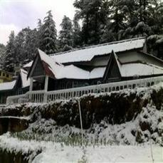 100 Years Old Tudor-styled Bungalow In Shimla!!