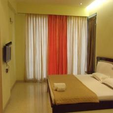 4 Bedroom Spacious Serviced Apartment In Juhu